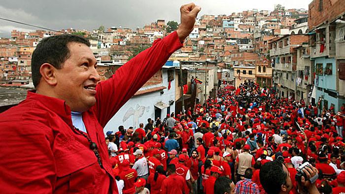 Hugo Chávez resgatou ideais do libertador Simon Bolívar durante o processo da revolução bolivariana, no final dos 1990