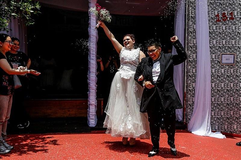 Casamento coletivo reúne 40 casais LGBT em São Paulo