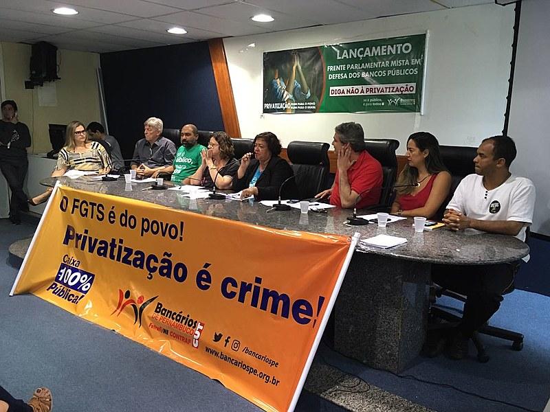 Audiência ocorreu na manhã desta segunda-feira e contou com a presença de sindicalistas e parlamentares