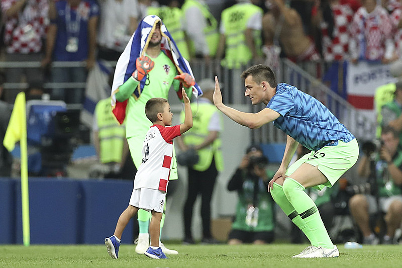 Croácia vence Inglaterra de virada