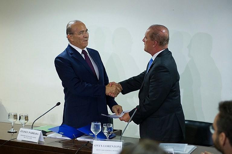 Chefe da Casa Civil, Eliseu Padilha reuniu-se nesta segunda-feira (5) com o ministro da transição Onyx Lorenzoni