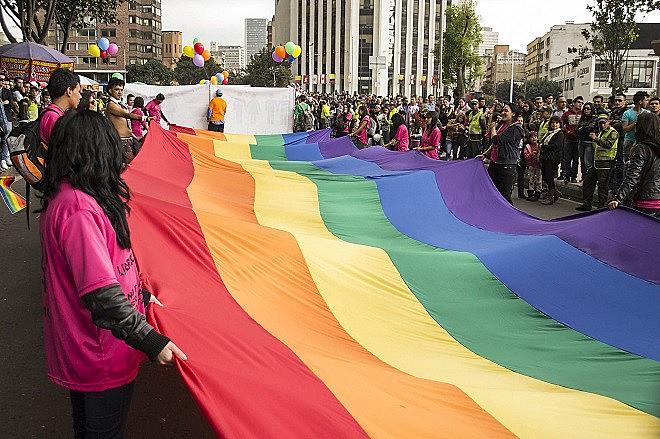"""Com decisão, termo """"matrimônio"""" poderá ser usado oficialmente por casais de pessoas do mesmo sexo"""