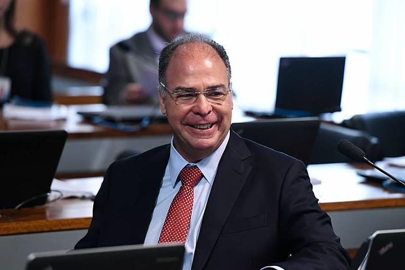Herdeiro de oligarquia, Fernando Bezerra tem mandato no Senado até 2022