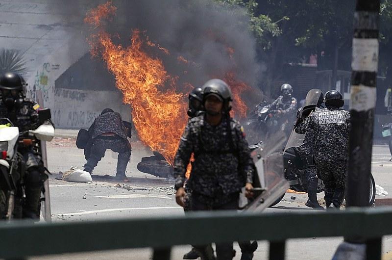 Ação opositora deixou sete policiais feridos