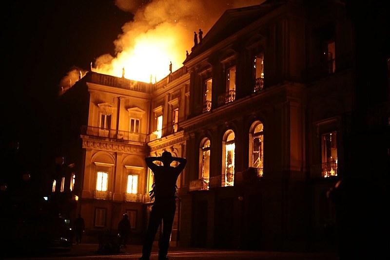 O trágico acontecimento deve ser analisado a fundo e demonstra inequivocamente como procede o Estado brasileiro com a história do país