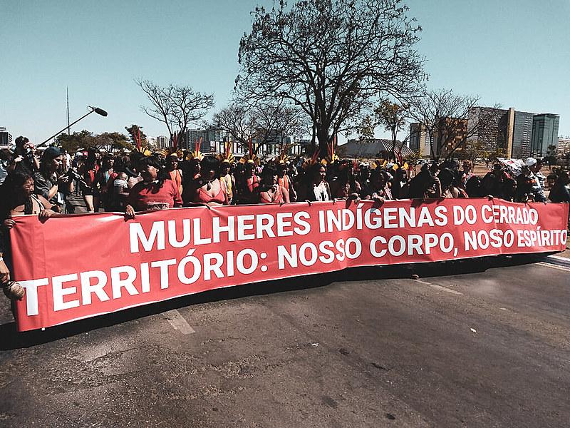 A 1ª Marcha das Mulheres Indígenas que acontece em Brasília desde o último domingo (11)