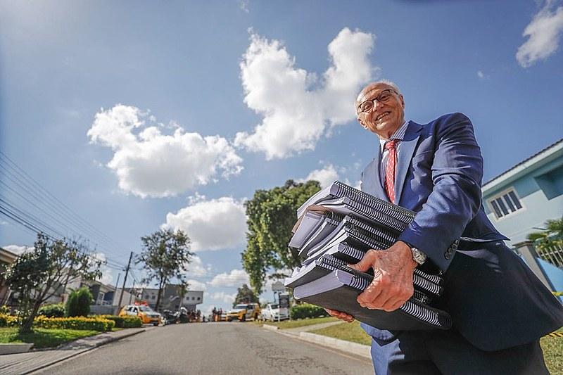 O senador Eduardo Suplicy recebeu mais de 3 mil cartas endereçadas a Lula