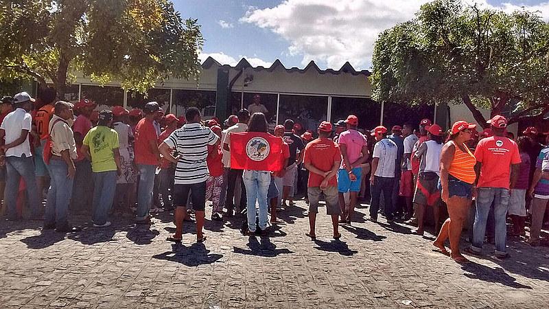 Manifestantes do MST ocupam Incra em Aracaju nesta quarta (8)