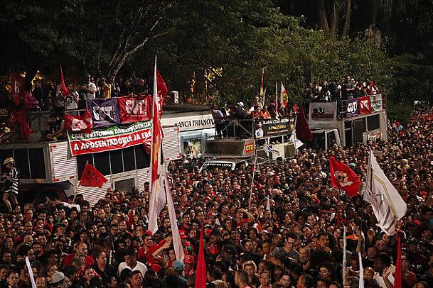 Greve geral contra o desmonte de direitos, dia 28 de abril, em São Paulo