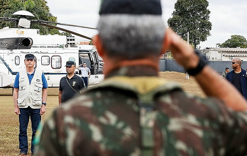 Jair Bolsonaro durante evento militar em julho deste ano