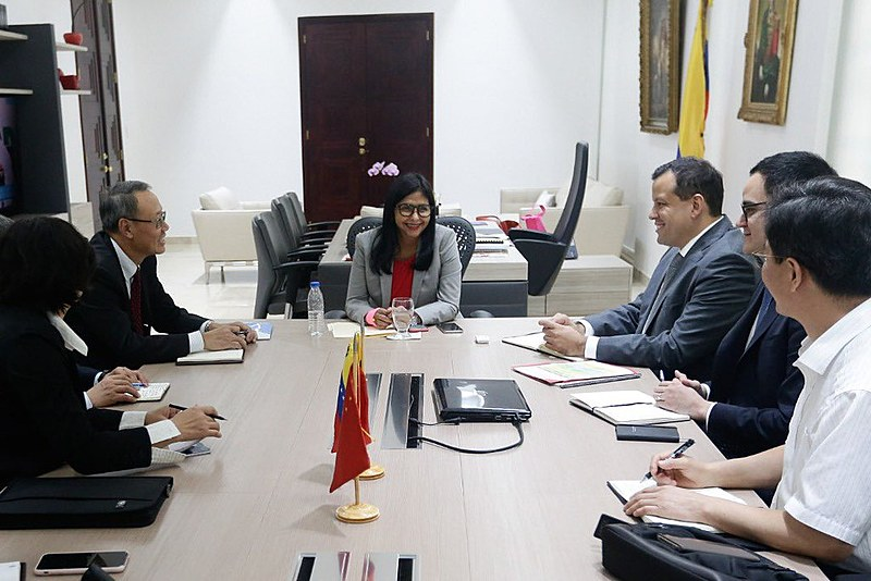 Equipe econômica do governo da China vai contribuir com o Plano de Recuperação da Venezuela, afirma vice-presidenta Delcy Rodríguez