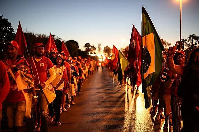 MST members marched 5 days to Brasília in August to accompany the registration of Lula as a candidate