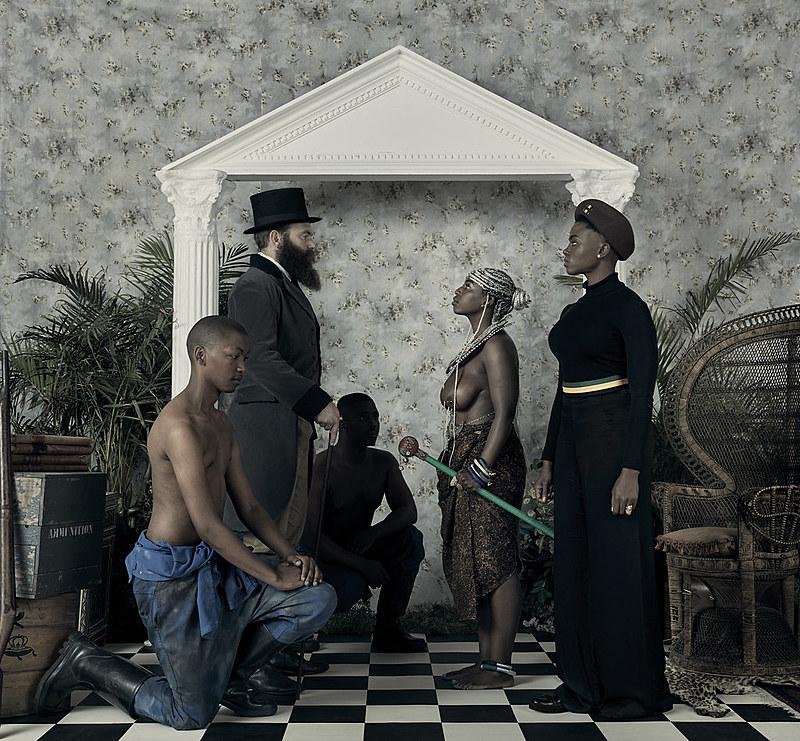 "Obra ""Genesis"" –  do artista e ativista do Zimbábue Kudzanai Chiurai"