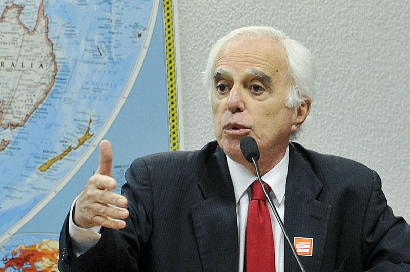 """Samuel Pinheiro Guimarães é diplomata e autor do livro """"Desafios Brasileiros na Era dos Gigantes"""""""