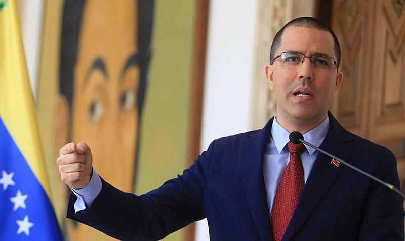 Chanceler Jorge Arreaza pede que Brasil entregue militares desertores presos em Roraima