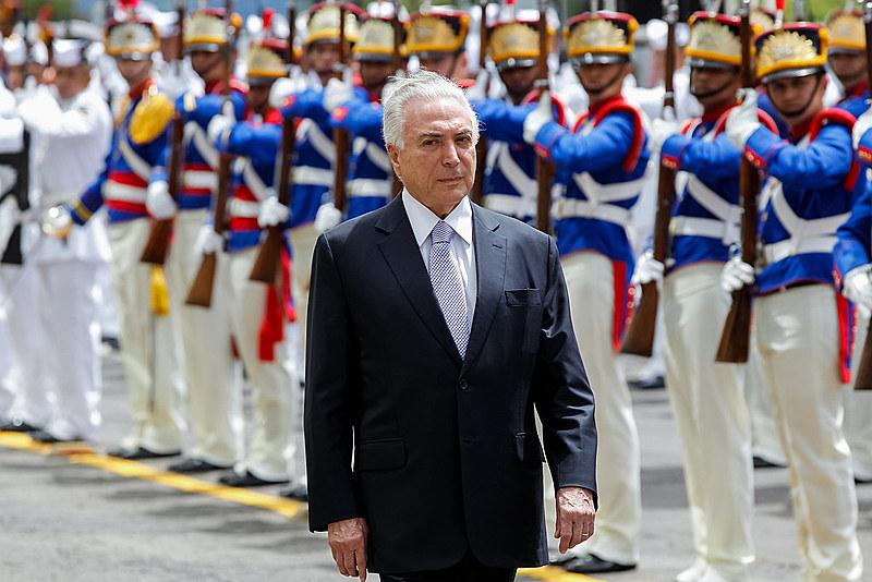 O show armado para promover a intervenção militar como solução para o Rio de Janeiro está caindo por terra