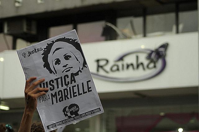 El día 8 de marzo brasileñas salieron a las calles en memoria de Marielle Franco