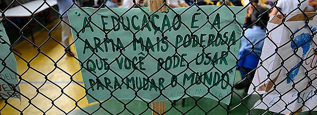 Educadores señalan que Escuela Sin Partido representa un riesgo para la educación brasileña