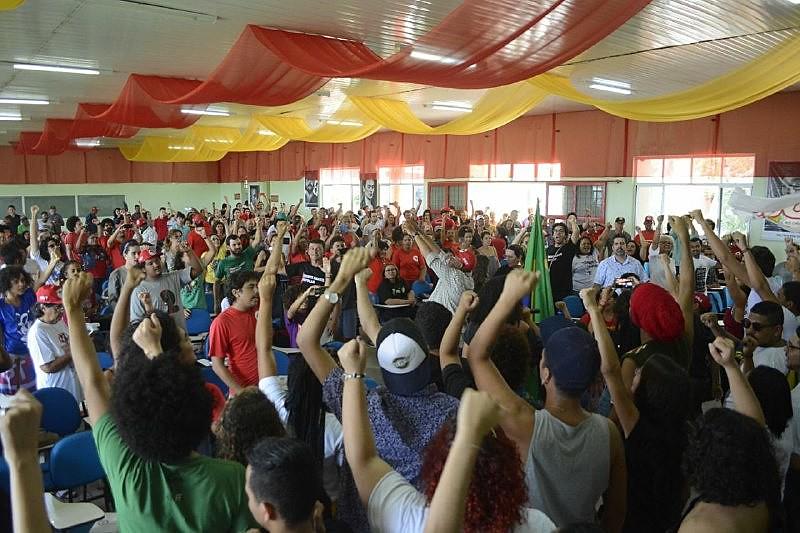 Em Caruaru (PE), mais de 400 pessoas se reuniram para planejar a defesa do principal candidato à presidência da República