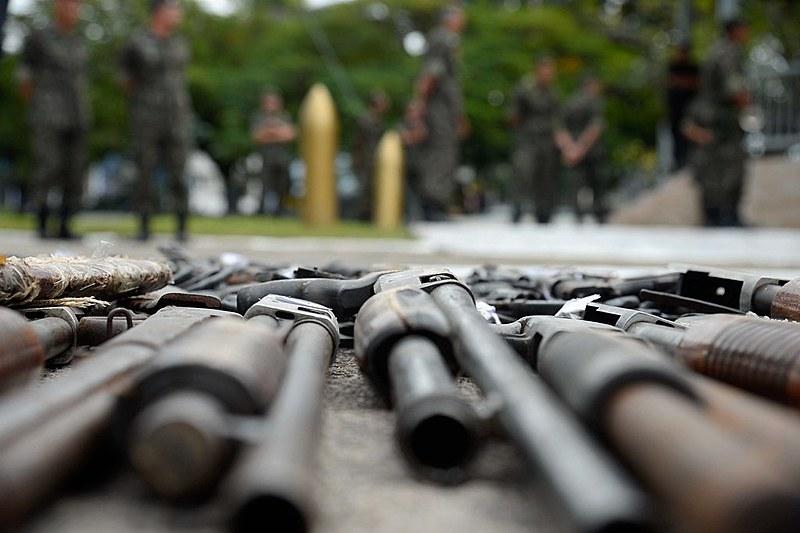 Com 3% da população mundial, Brasil responde por 14% dos homicídios por arma de fogo, segundo dados oficiais