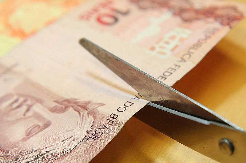 Orçamento da educação superior será reduzido pela metade em relação a 2015.