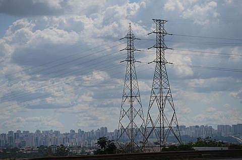Eletrobras controla 31% da capacidade energética do Brasil, com 233 usinas, e 47% das linhas de transmissão