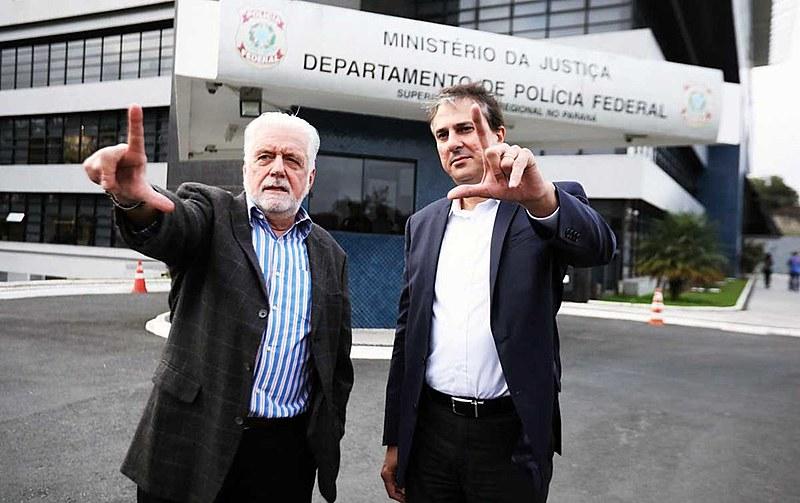 Senador Jaques Wagnere governador do Ceará,Camilo Santana, visitaram Lula em Curitiba