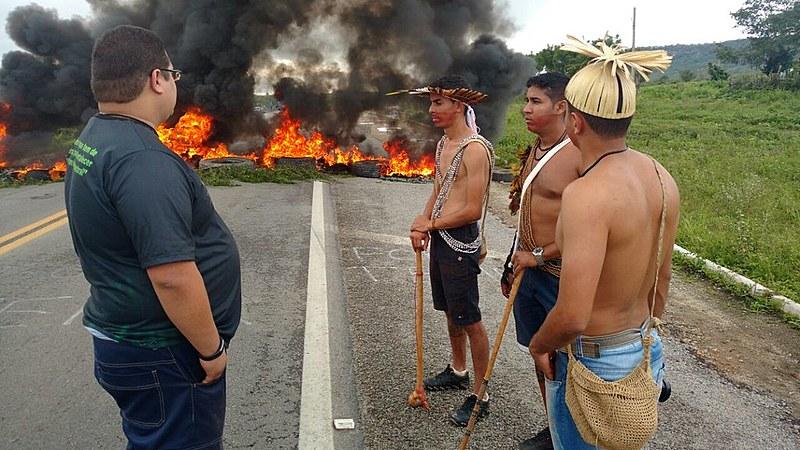 Na cidade de Pesquera, Agreste pernambucano, indígenas do povo Xukuru se somaram à Frente Brasil Popular, MST e demais sindicatos da região.
