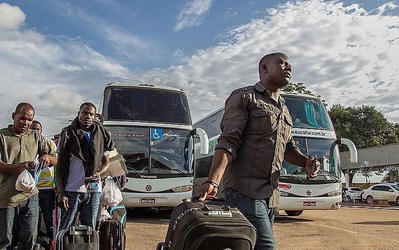 Haitianos deslocam-se a partir do Acre para a região sudeste: políticas públicas para imigrantes reconstruirem suas vidas