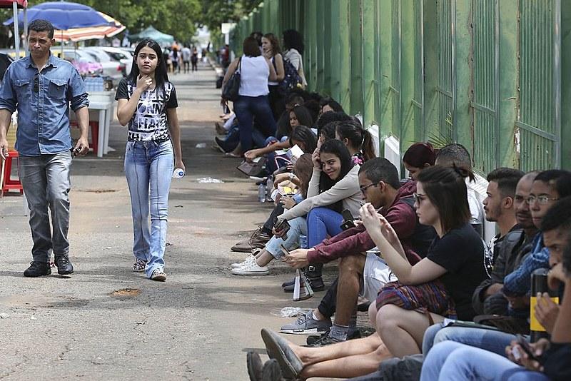 No total, foram ofertadas cerca de 244 mil bolsas de estudo, em mais de 1200 instituições de ensino