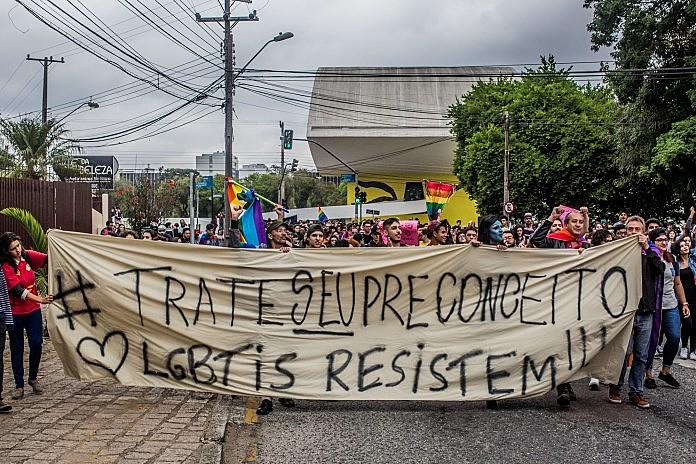 """""""ós, LGBTI, não vamos aceitar nenhum retrocesso"""", afirmou Marcio Marins"""