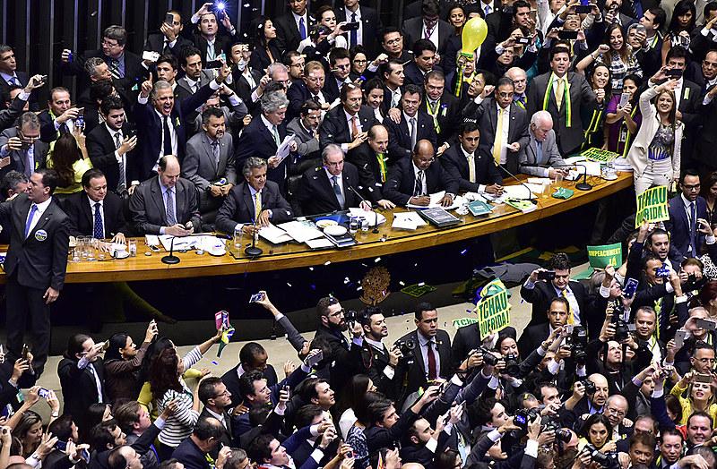 Presidente interino da Câmara dos Deputados, Waldir Maranhão (PP-MA), acatou pedido da AGU para anulação do processo de impeachment