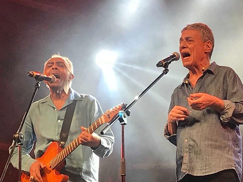 Gilberto Gil e Chico Buarque se apresentam no Festival Lula Livre, no sábado (28)