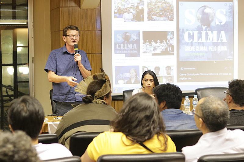 Movimentos realizam plenária em São Paulo (SP) para debater formas de articulação das lutas por questões ambientais e sociais