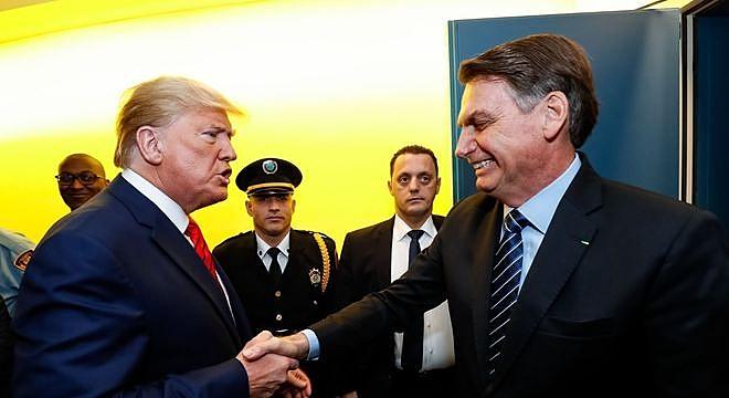 Bolsonaro leva rasteira do   Uma visão popular do Brasil e do mundo