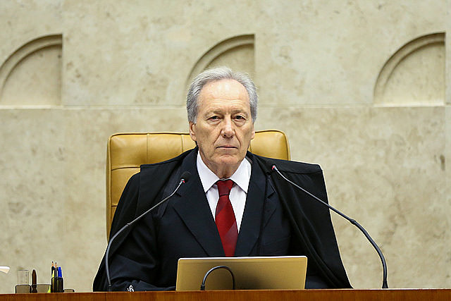 Brazil's Supreme Court justice Lewandowski granted petition filed by union organizations: privatizations should be passed by the Congress
