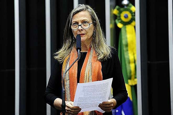 """""""Brasil tem sido violentamente roubado pelo Sistema da Dívida"""", afirma Maria Lucia"""