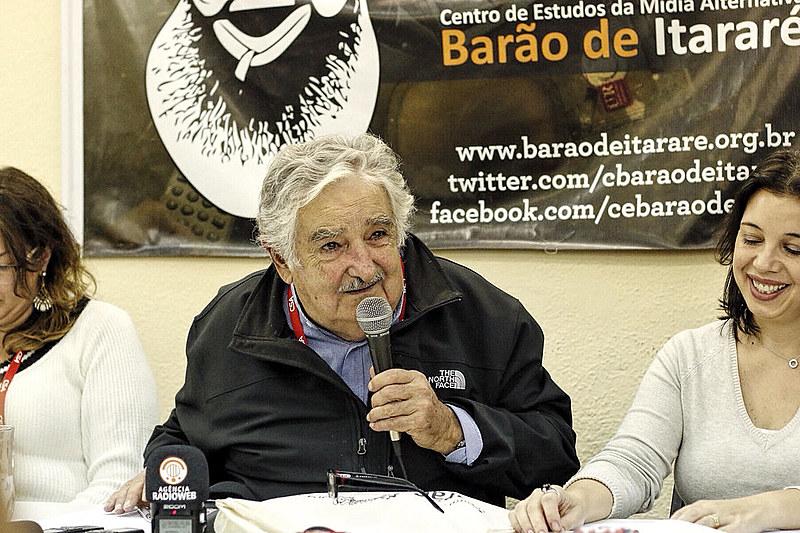 """""""Pepe"""" Mujica analisou conjuntura da política brasileira e os rumos dos governos progressistas da América Latina"""