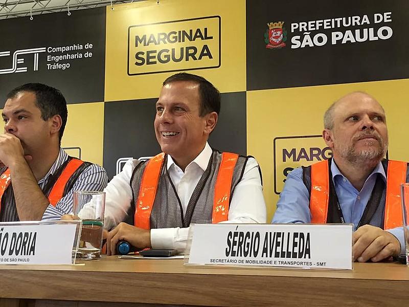 Atual prefeito de SP, João Doria (PSDB) e o secretário municipal de Mobilidade e Transporte, Sérgio Avelleda