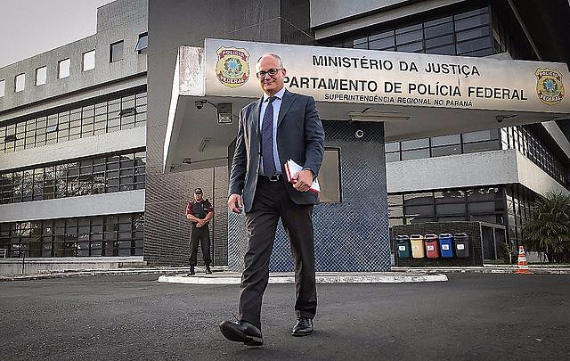El eurodiputado italiano llevó manifestaciones de importantes líderes de la izquierda europea en apoyo al expresidente brasileño