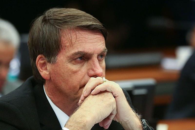 Começa a ficar claro que a patota do Bolsonaro, possivelmente orientada, procurará moderar a linguagem