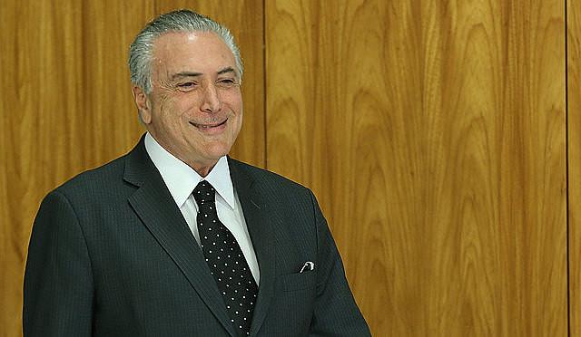 Michel Temer fue grabado dando su aval al pago de sobornos para comprar el silencio del expresidente de la Cámara de Diputados.