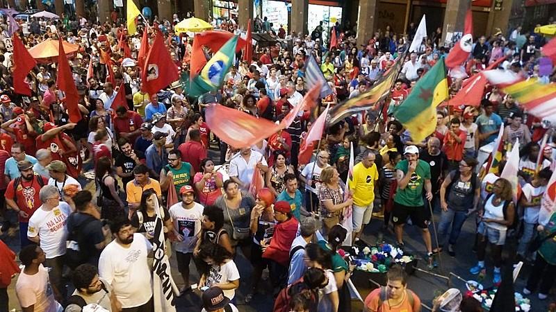 Concentración contra la destitución de Dilma en la ciudad de Porto Alegre en abril de este año.