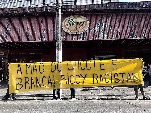 Protesto em frente ao supermercado Ricoy, em setembro