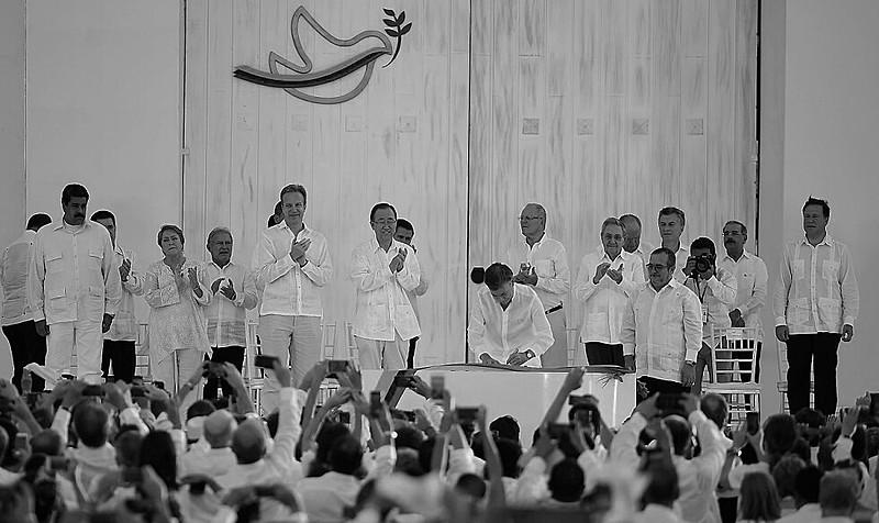 Acordos de paz entre governo da Colômbia e FARC foram assinados em 26 de setembro de 2016, em Havana