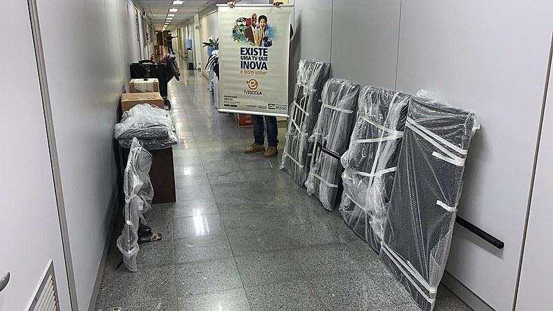 Equipamentos da TV Escola são retirados do prédio do Ministério da Educação em Brasília