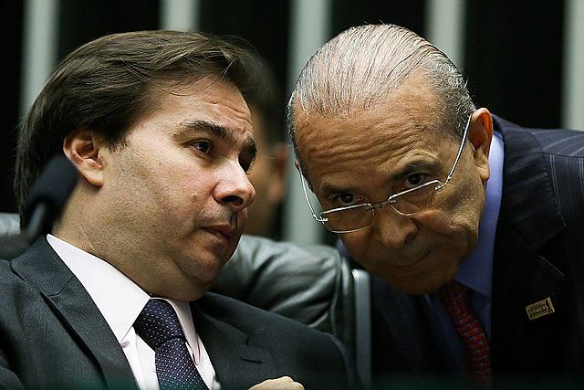 El Presidente de la Cámara de Diputados Rodrigo Maia en conversación reservada con el ministro jefe de la Casa Civil, Eliseu Padilha
