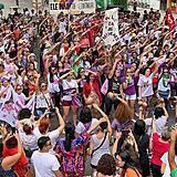 8m manifestação mulheres feminismo