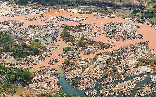 Según el Instituto Brasileño de Medio Ambiente y Recursos Naturales,  las tierras serán destinadas a una obra emergencias de contingenciamiento de residuos tóxicos.