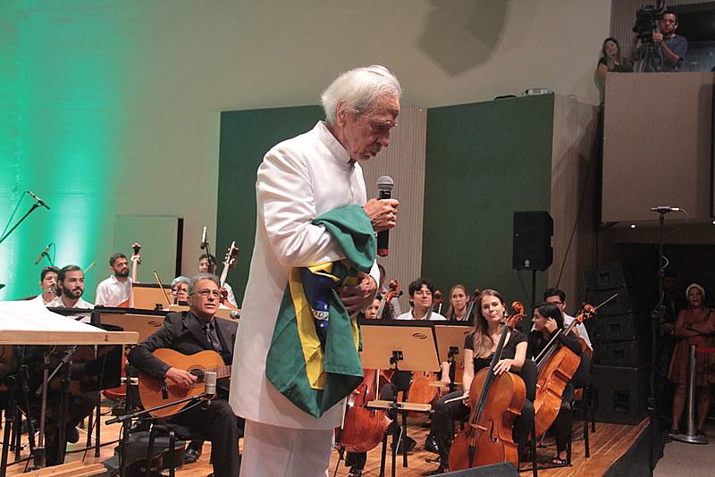 Na noite desta quinta-feira (22), Geraldo Vandré voltou aos palcos em apresentação em João Pessoa